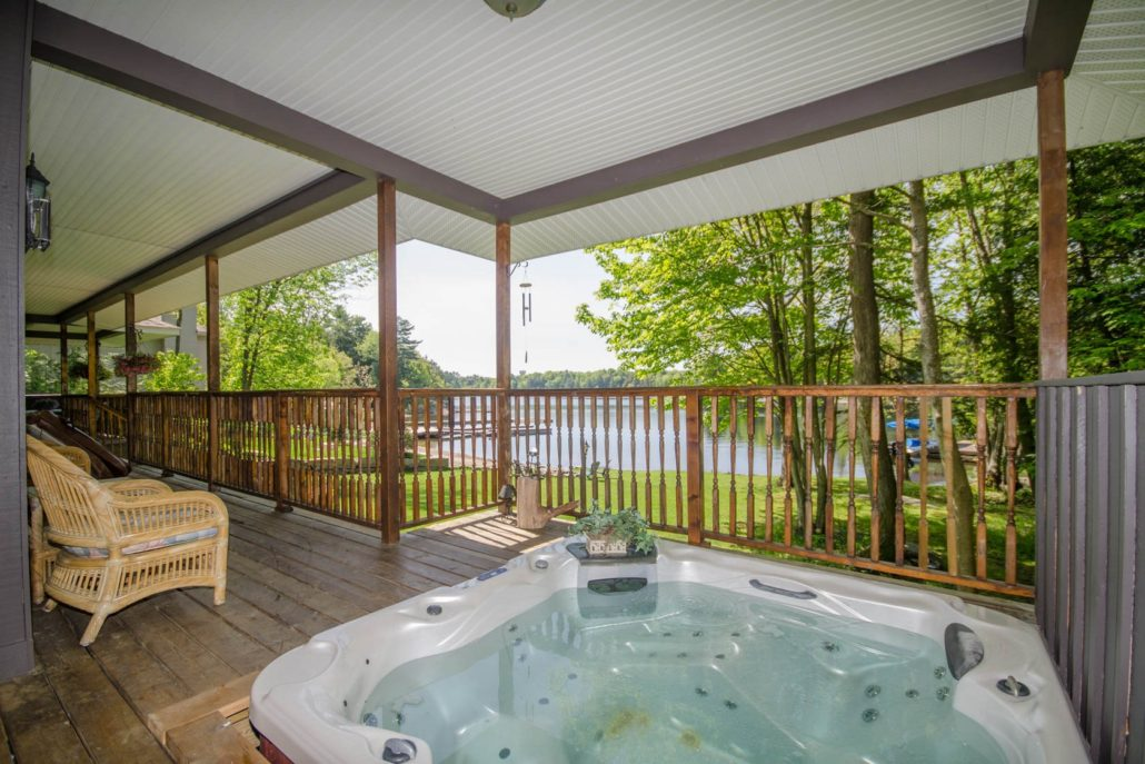 Cottage hot tub